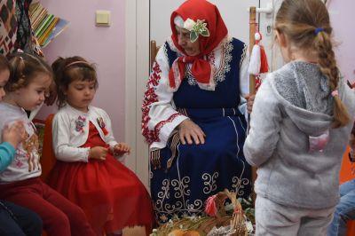 """Баба Марта в първа група """"Калинка""""2021 - ДГ Детелина - Драговищица"""